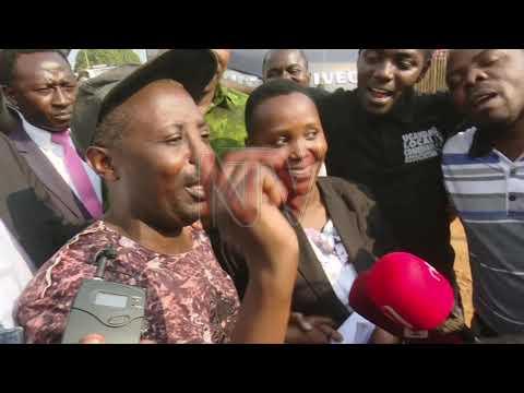 Zungulu: Abasazze eddiro okudda mu bibiina ebirala babawerekerezza ebisongovu