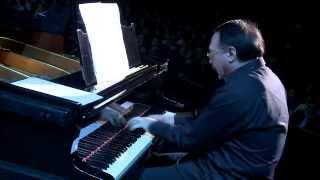 "Даниил Крамер и оркестр Терема - А. Цфасман ""Снежинки"""