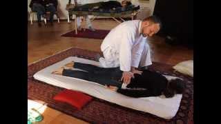 preview picture of video '7 minuti di Shiatsu Ryu Zo in posizione prona'