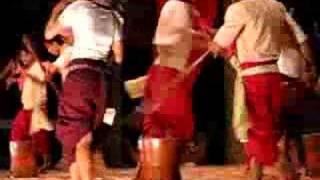 របាំបុកអង្ករ---Rice Grinding Dance