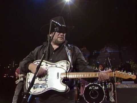 "Waylon Jennings – ""Luckenbach, Texas (Back To The Basics Of Love)"" [Live from Austin, TX]"