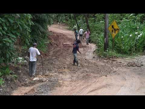 Mutirão na Estrada Velha de Juquitiba SPA 070/230.