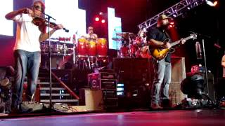 """ZAC BROWN BAND LIVE """"UNCAGED"""""""