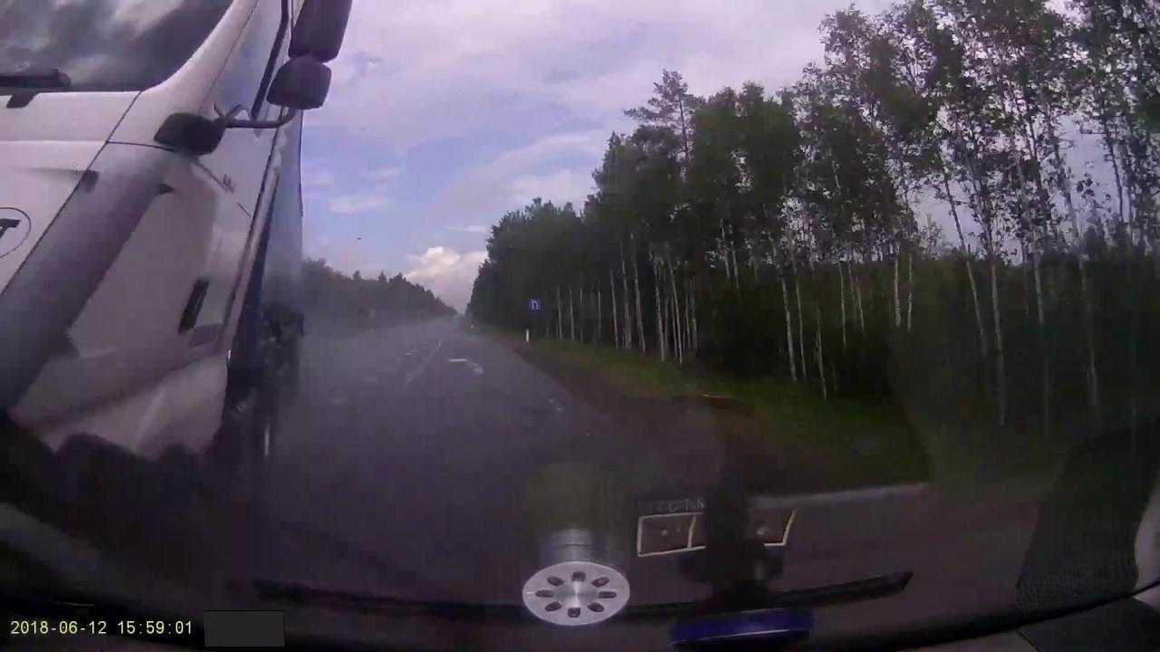 Фура на встречке в Ленинградской области