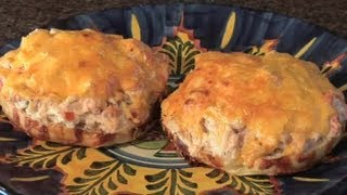 How to Make a Tuna Fish Patty Sandwich : Delicious Dishes