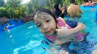 preview picture of video 'Bukit Merah Lake Town Resort bersama ahli keluarga'
