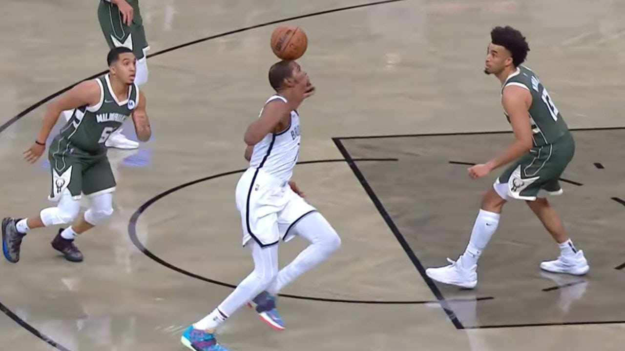 KD Gets an OFF THE HEAD Assist 😆