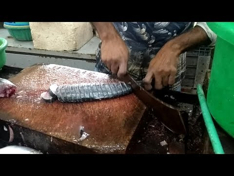 Live Fish cutting | King Fish Cutting | Surmai Fish Cutting | Fish Market | Saqib Hunerkar Vlogs