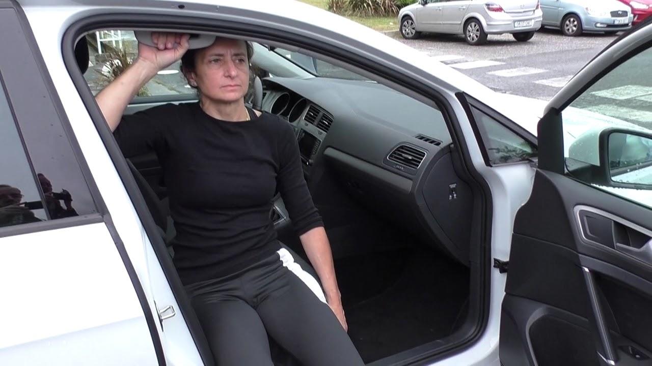 Vídeo sobre Escuela de cadera. Entrada al coche sin ayuda.