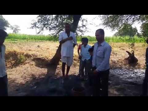 VIDEO : ट्यूबवेल से पानी की जगह निकल रही गैस, चिंगारी दिखाते ही भभक रही आग