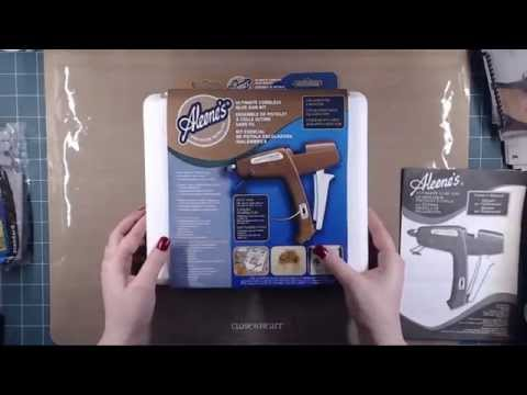 Aleene's Ultimate Glue Gun Kit Unboxing and mini review.