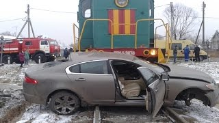 Accidents at railway crossings of trains with cars - Train crashes