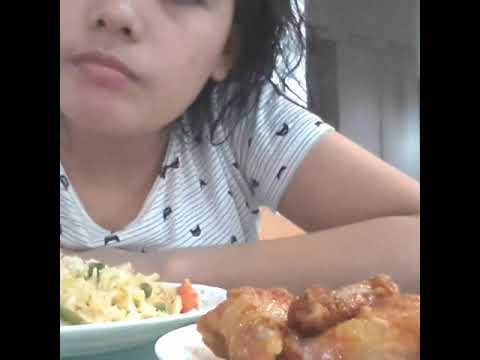 Eating lunch lafang#mommy rheza#buhay ofw