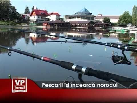 Pescarii îşi încearcă norocul