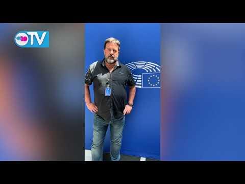 Eurodiputado Manu Pineda,Secretario de Relaciones Internacionales del Partido Comunista de España, saluda el 40/19.