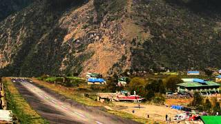 preview picture of video 'Lukla Airport - Helicopter Landing [HD] (2 of 2)'