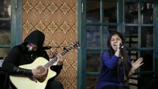 Gambar cover El7afla Acoustic Night Live @ Bikya 11-12-2014