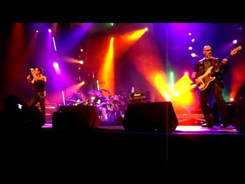 FREEDOM ON THE WORLD - Dirty Ducks - Zénith Montpellier.MP4