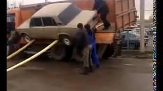 Смотреть онлайн Как нельзя выгружать автомобиль из Камаза