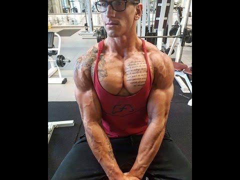 Die Operation für uweletschenija die Brüste