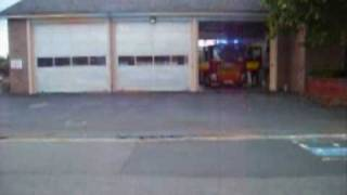 preview picture of video 'oakham fire station turnout (2xScanias)'