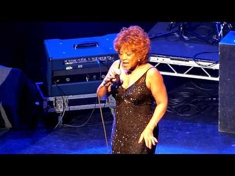 THE  THREE  DEGREES   A WOMAN   IN  LOVE  @INDIGO2  LONDON  28  FEB  2011