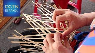 El Tejido de Bambú Alimenta los Sueños de Futuro de dos Generaciones