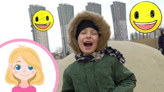 Гулять на детской площадке очень весело - Маленькая Вера - Развлечения для детей малышей