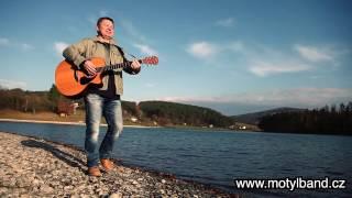 MOTÝL band CZ - videoklip: Alenka v říši divů