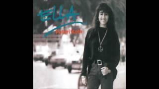 Download lagu Ella Cinta Mawar Putih Mp3