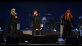 Ann Wilson, Emmylou Harris and Wynonna - Ring Them Bells