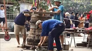 Đúc chuông đồng tại thôn Quảng Minh - Thanh Oai, Hà Nội