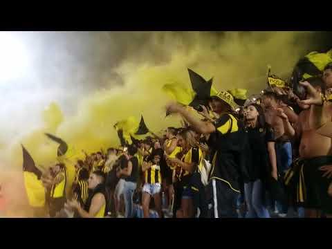 """""""Recibimiento hinchada de Peñarol por la Super copa uruguaya 2018.《BARRA AMSTERDAM》"""" Barra: Barra Amsterdam • Club: Peñarol"""