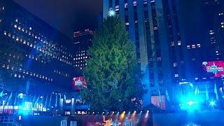 Rockefeller tree lights up