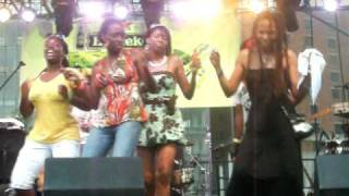 Reggae Summer Fest DC 2009: Marcia Griffiths - Electric Boogie (Electric Slide)