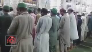 إمام باكستاني يصلي اسرع صلاة في التاريخ 😂😂 || الله يتقبل منهم بس 😂😂 || جلدي جلدي صديق 😂
