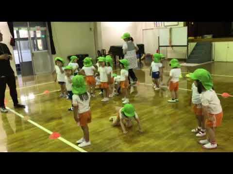 田上幼稚園のチェリークラスの体操遊び