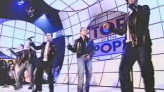 WESTLIFE - When You're Looking Like That [Live]TOTP 19/10/2001