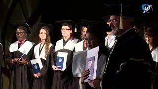 Выпускники Института медицинского образования получили дипломы
