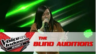 """Lauren """"Shout Out To My Ex""""   The Blind Auditions   The Voice Kids Indonesia Season 2 GlobalTV 2017"""