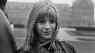 Angelo Badalamenti & Marianne Faithfull - Who Will Take My Dreams Away