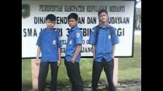 preview picture of video 'Selatpanjang,Riau - SMA Negeri 3 ( 2013/2014 )'
