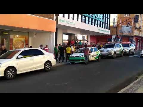 Empresário assaltado no ITAÚ; bandido levou R$ 50 mil e trocou tiros com um segurança