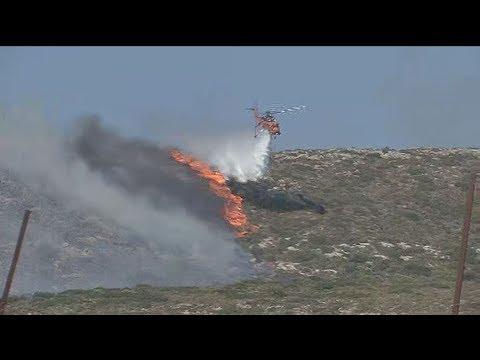 Αναζωπυρώθηκε η πυρκαγιά στην Ελαφόνησο