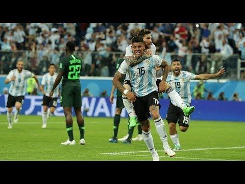 Argentina Beats Nigeria.  Everyone Goes Nuts. (Argentina Supera a Nigeria. Todos se Vuelven Locos)