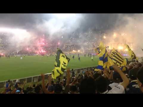 """""""Únicos e inigualables,  recibimiento rosario Central godoy cruz"""" Barra: Los Guerreros • Club: Rosario Central"""