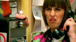 Fatal Bazooka & Yelle - Parle À Ma Main