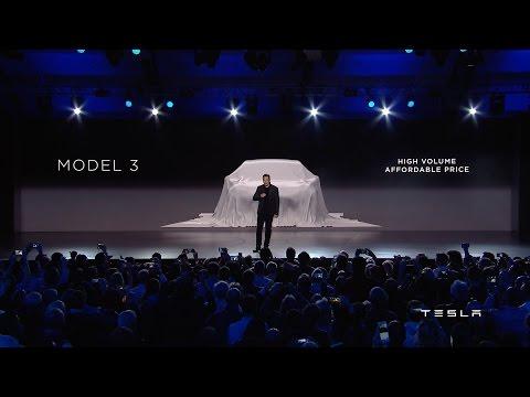 """Tesla představila elektromobil Model Y: Menší a """"levnější"""" SUV bude stát skoro 900 tisíc"""
