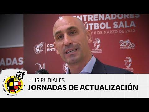 Rubiales clausura las Jornadas de Actualización de Entrenadores de fútbol sala en La Térmica