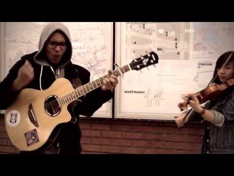 Sway-The Kooks (a boy & a girl LIVE-Train Station)